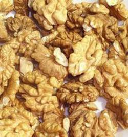 lichte halve gepelde walnoten